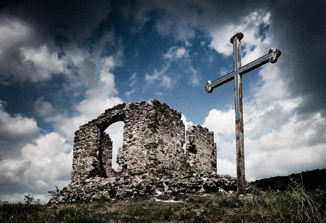 Kríž večný...