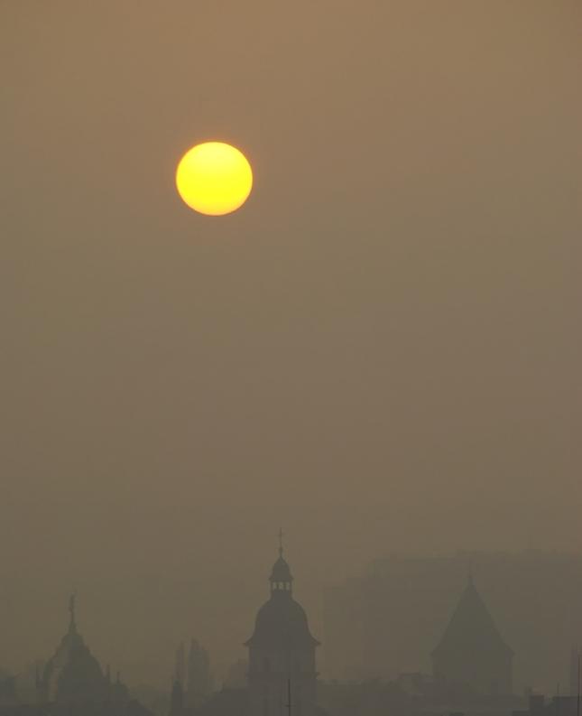 východ slnka nad KE