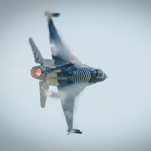 Solo Turk F-16