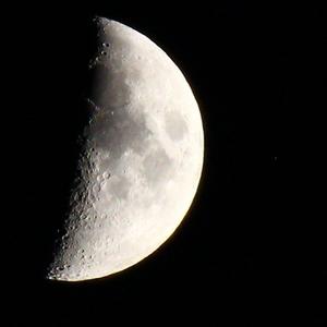 Mesiac 5 9 19