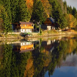 Jeseň pri vode