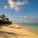 Prelet nad opustenou plážou