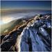 ...dole driemu lavíny, na vrchu