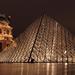 Louvre - nočná