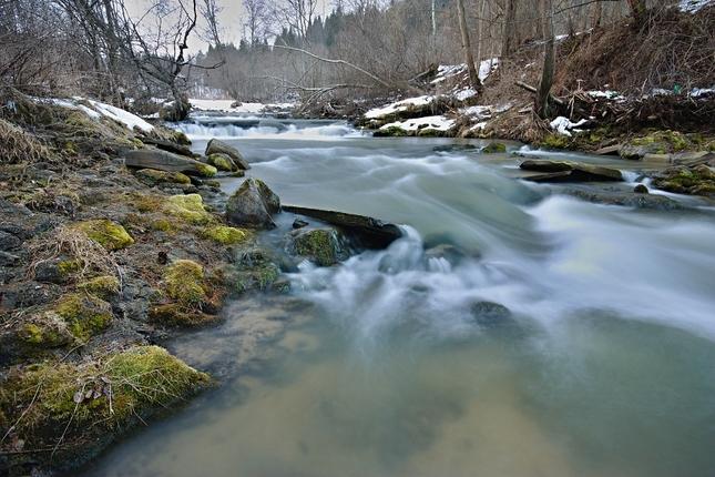 a rieka tečie