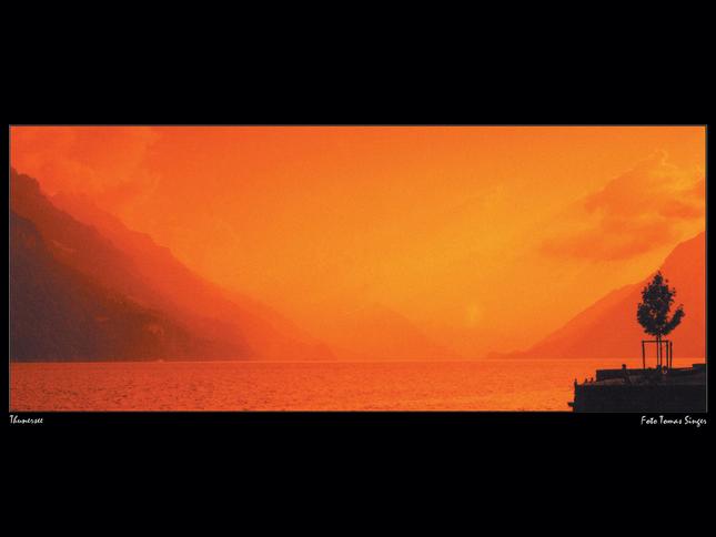 Jazero v červenom