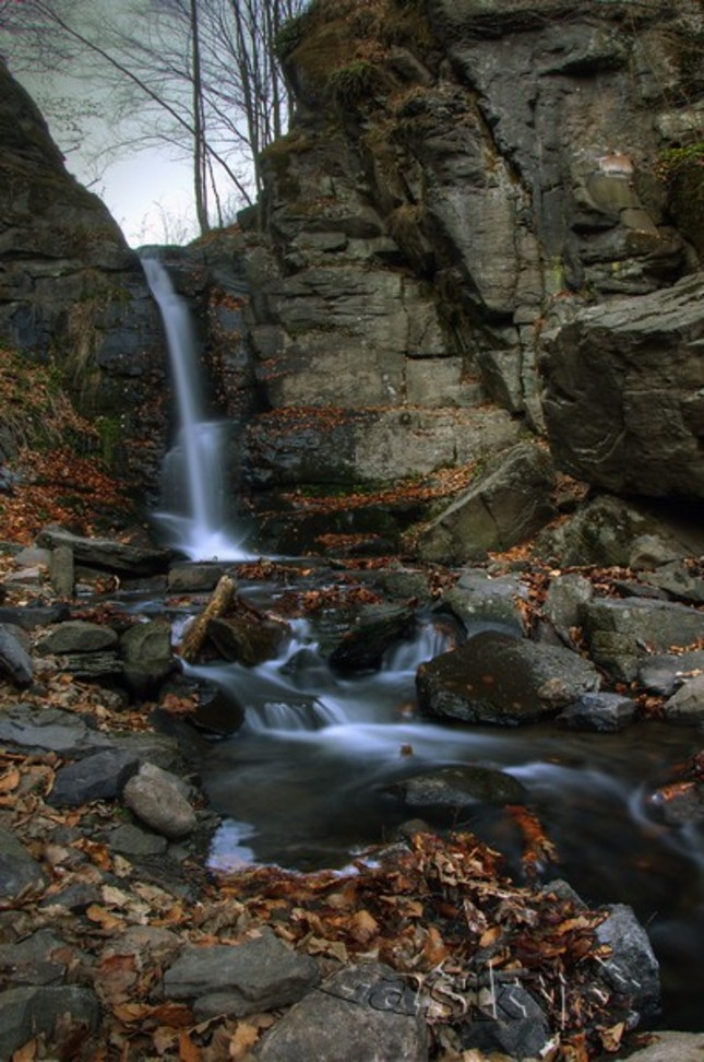 Starohutský vodopád...