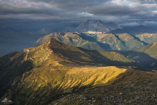 * Dolomity - Marmolada 3343 m n.