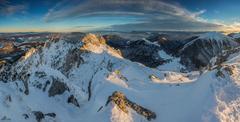 * Svetlo na vrchole hôr *