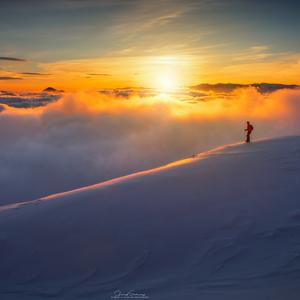 * Stopy na hrebeni *