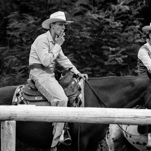 Cowboy a znudená kovbojka