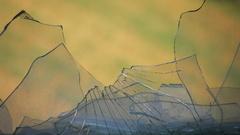 Shattered pieces (Rozbité kúsky)
