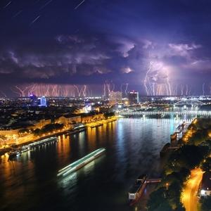 Nedeľná búrka nad Bratislavou