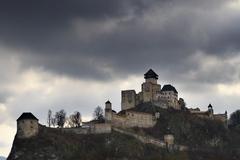 Trenčiansky hrad pred búrkou