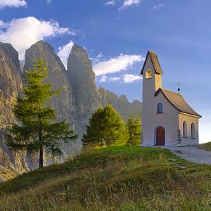 Gardena pass a jeho kaplnka