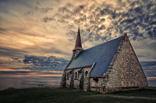 Na utese kostol stoji...ver II