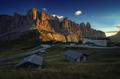 Západ slnka v Gardena Pass