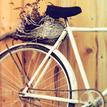 Nájdené zátišie s bicyklom.