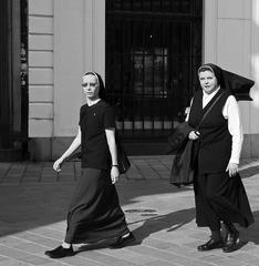 Sestry v čiernom