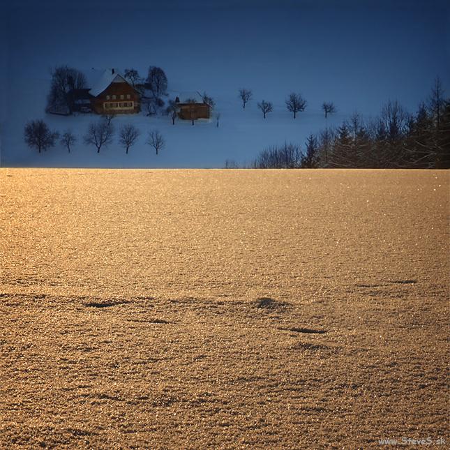 Tam kde rána sú zlatomodré ...