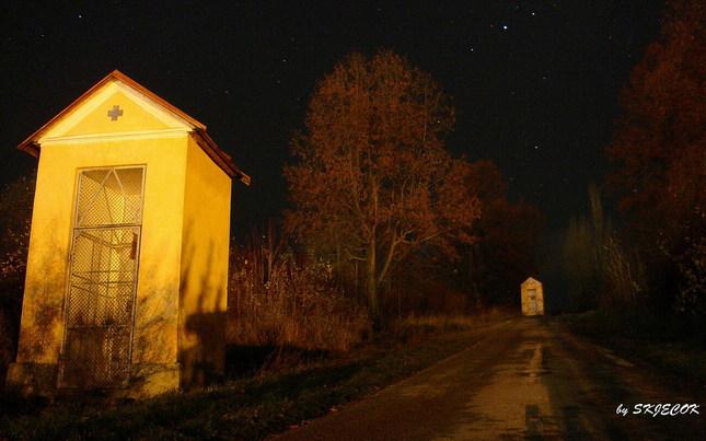 Kalvária v noci....