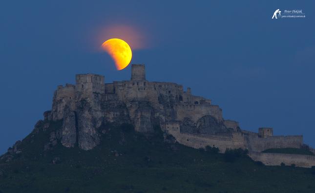 Zatmenie Mesiaca
