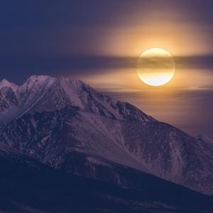 Spoza Gerlachu, mesiačik vykúkol