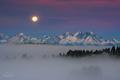 Tatranské ráno pri splne Mesiaca