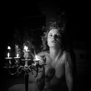 Za vôňou sviečky