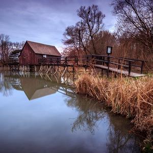 Vodný kolový mlyn v Tomášikove