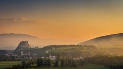 Beckovský hrad na svitaní III.
