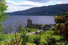 Loch Ness a Urquahart Castle