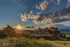 Západ slnka na Beckovskom hrade