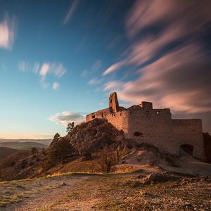 Západ slnka na Čachtickom hrade