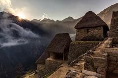 Svitanie na Machu Picchu ...