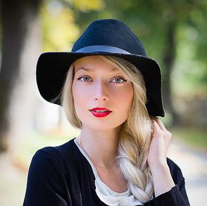 S klobúčikom