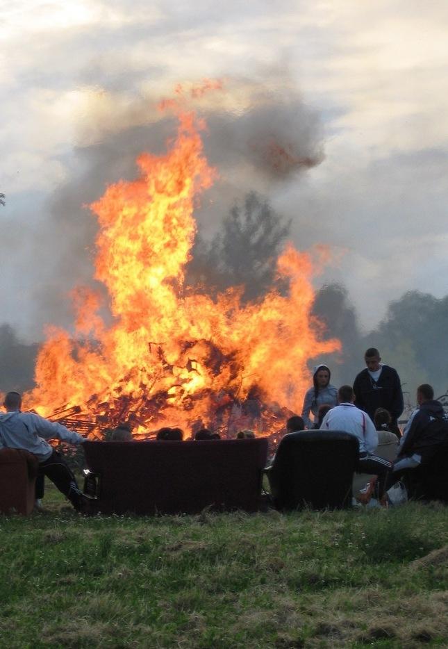 Horí ohník horí...