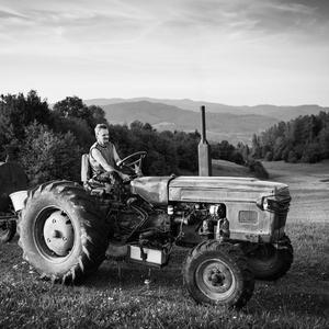 Na traktore