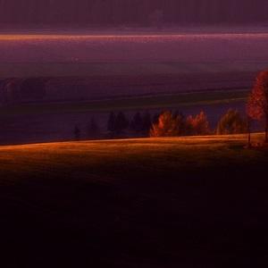 V purpurovom závoji..