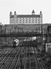 Konečná stanica hrad... [2]