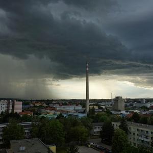Prichádza dážď
