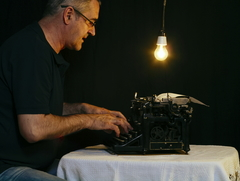 Píše na tlačiarni