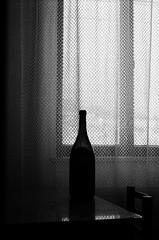 Zátišie s fľašou