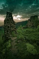 Podvečer na Turnianskom hrade