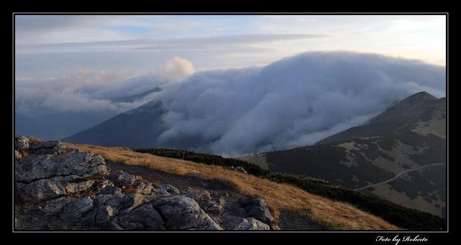 V Objati hmly
