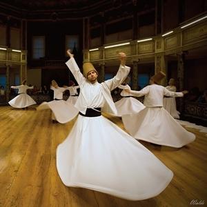 Tancujúci derviši