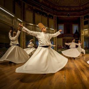 Tancujúci mystici