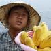 Chlapec s banánmi