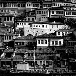 Mesto tisícich okien