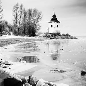 V tichu zimy